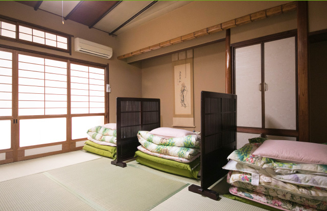Type1Private Rooms and Shared Dormitories with Futon
